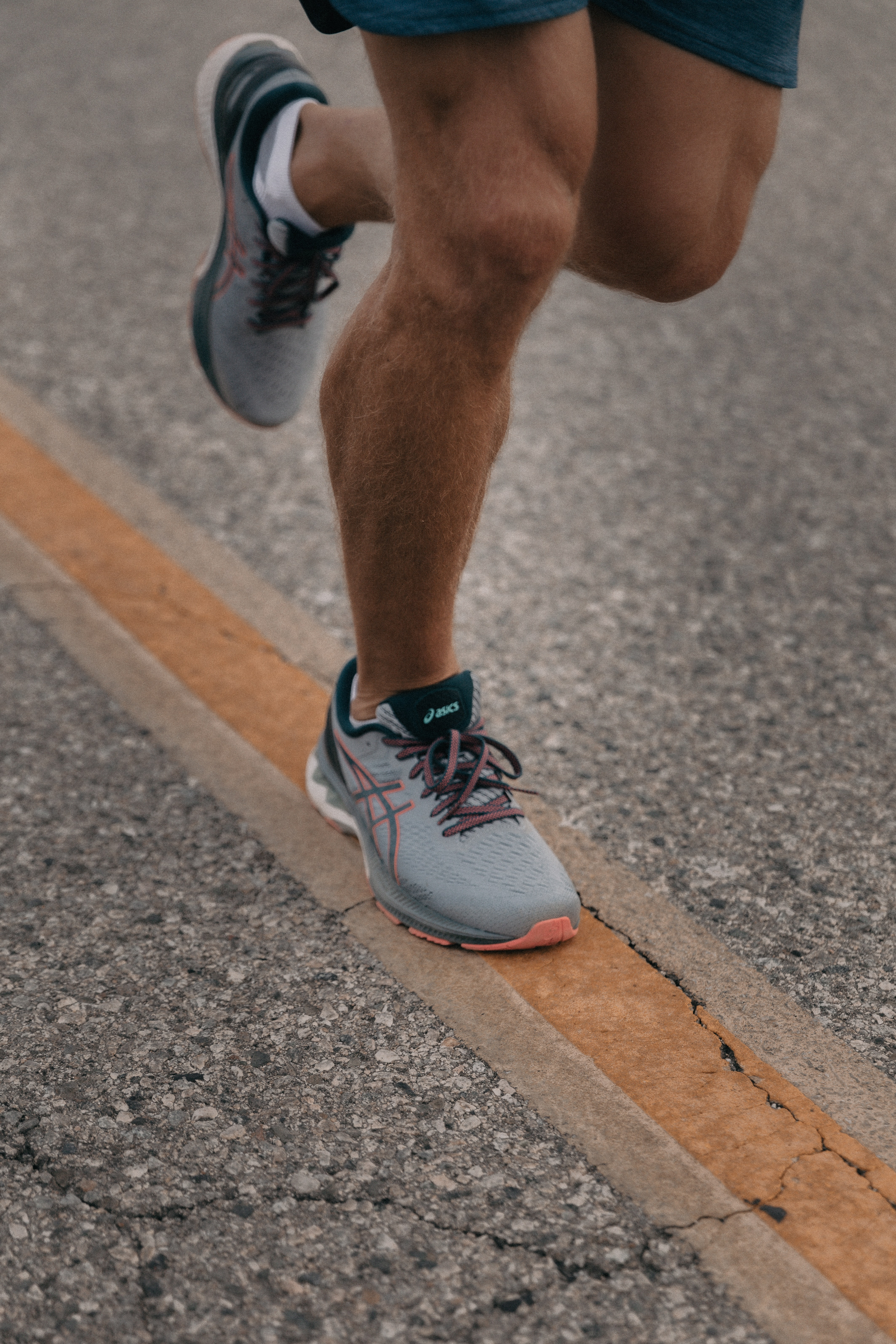 runner mans lower half helped by taking green-lipped mussel and chrondoitin